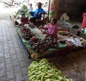 Monday market 2